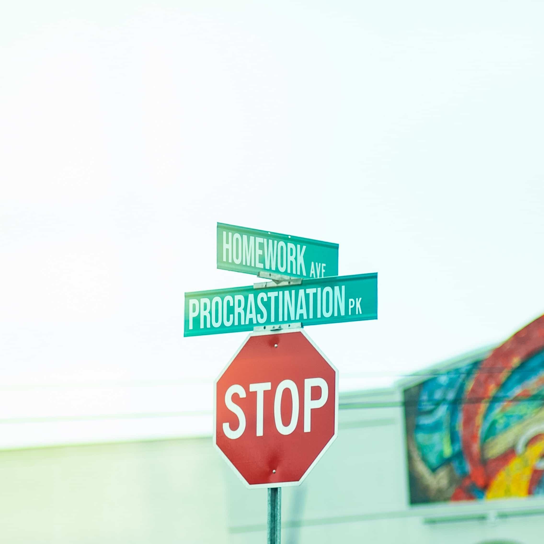 stop-procrastination-étudiante
